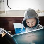 Casper Carlsson, 6 år, är fast i hajens rike.