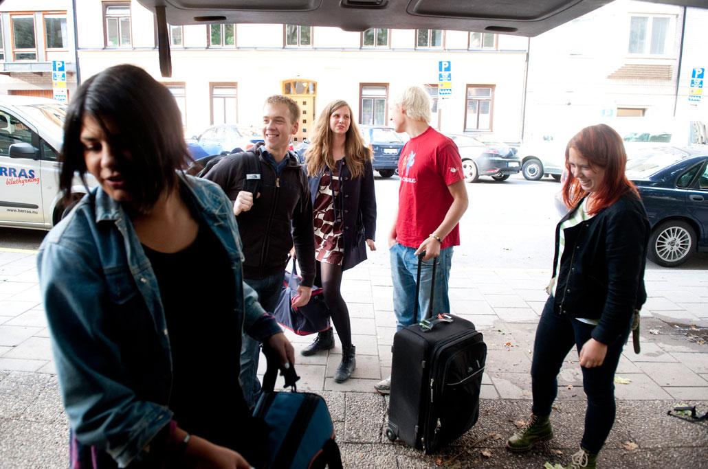 Peppade. Fyra minibussar med SSU:are åkte till Oslo och norska valspurten. Fredrik Ståhl, Alexandra Völker och Jonas Bergström vill alla ge stöd till AUF i Norge.