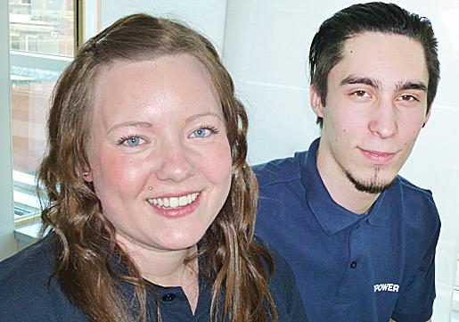 Marlene Lindmark och Andri Dram. Marlene är en de första som gick ut som teletekniker. Andri har några månader kvar.