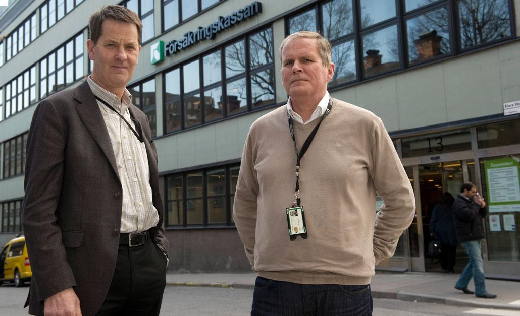 Torgny Collin, säkerhetschef, och Glenn Petrini, säkerhetsrådgivare på Försäkringskassan, ser en direkt koppling mellan den alarmerande ökningen av självmordshot och de nya sjukreglerna som hittills inneburit utförsäkring av fler än 60 000 personer.