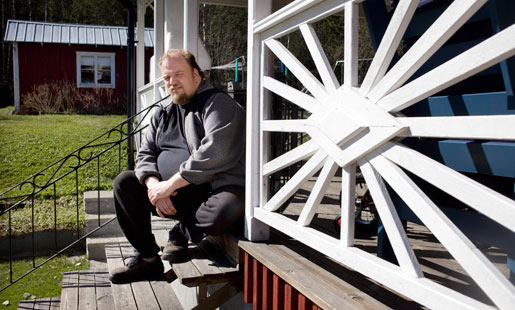 –Det är obegripligt att Försäkringskassan gått på diagnosen Dercums sjukdom, säger Jonas Emanuelsson, som förlorat tusentals kronor i månaden sedan han blev av med sin livränta. Nu gör jag en ny ansökan. Sex läkare har sagt att mina besvär beror på arbetet.