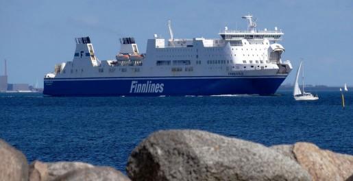 På väg bort. Sex av Finnlines fartyg byter svensk flagg mot finsk vid årsskiftet eftersom beskattningen är gynnsammare där.