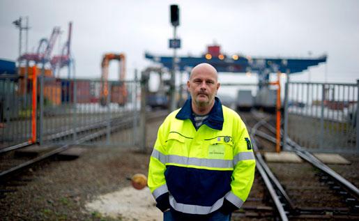 Patrik Östbjerg, ordförande i Hamnarbetarförbundet i Göteborg, vid hamnen i Göteborg på torsdagen.