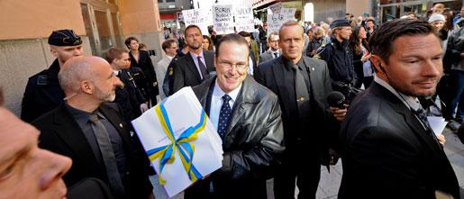Anders Borg på budgetpromenad.