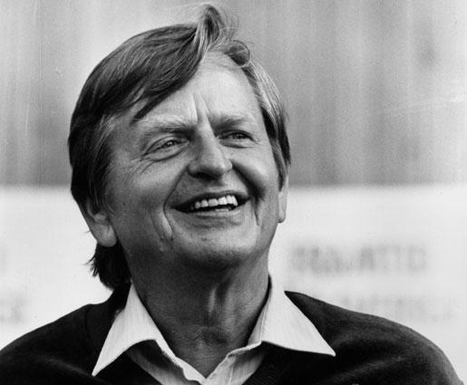 Lönearbetarna gick på 1970-talet från att betraktas som produktionsfaktorer till att bli människor. Tack vare Olof Palme, argumenterar debattören.