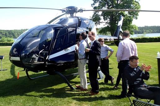 Helikopterförsäljaren Savback var ett nytt inslag på Steninge slott.