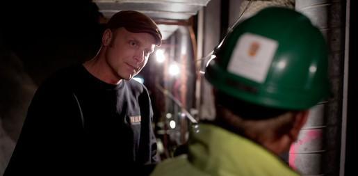 – Jag ser effekten direkt när Arbetsmiljöverket kör en drive. Då blir vi av med dem som tar våra jobb, säger asbestsaneraren Jens Holgersson.