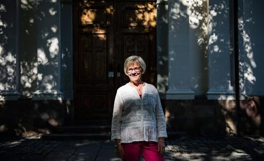 – Där vi har ett avgörande inflytande ska vi se till att det blir rätt till heltid, säger Wanja Lundby-Wedin, här utanför Adolf Fredriks kyrka i Stockholm.