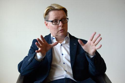 Lars Andersson ser risker med att ett parti har egen majoritet – till och med om det är hans eget. Foto: Janerik Henriksson
