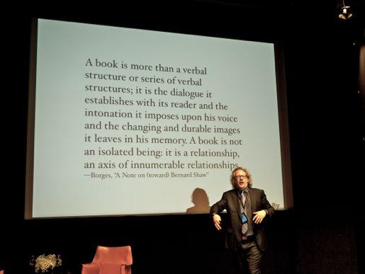 Michael Bhaskar var en av de många framstående talarna på konferensen. Han påminde om att boken är ett socialt fenomen lika mycket som en produkt.