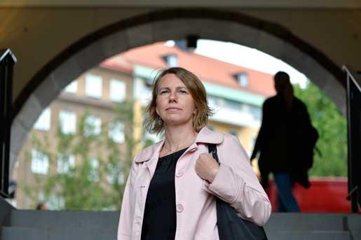 – På sikt blir det svårt att ha kvar bostaden, säger Sofia Löfving. Men jag ångrar inte att vi inte hade en privat livförsäkring, det tjänar ingenting till. Nu har jag däremot tecknat livförsäkring för mig själv.Foto: Anders Wiklund