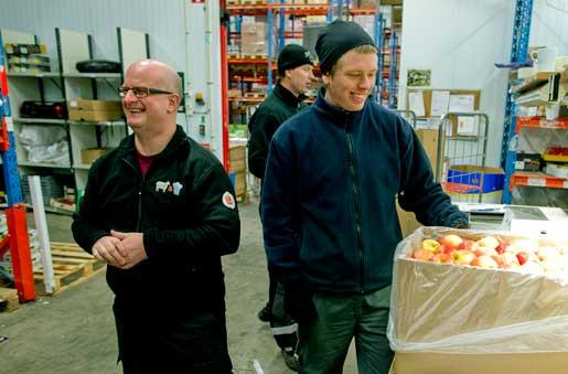 Henrik Armus går ofta ner till kollegorna på Menigo i Partille. Hos livsmedelsgrossisten finns närmare 100 anställda som han ska företräda.Foto: Adam Ihse