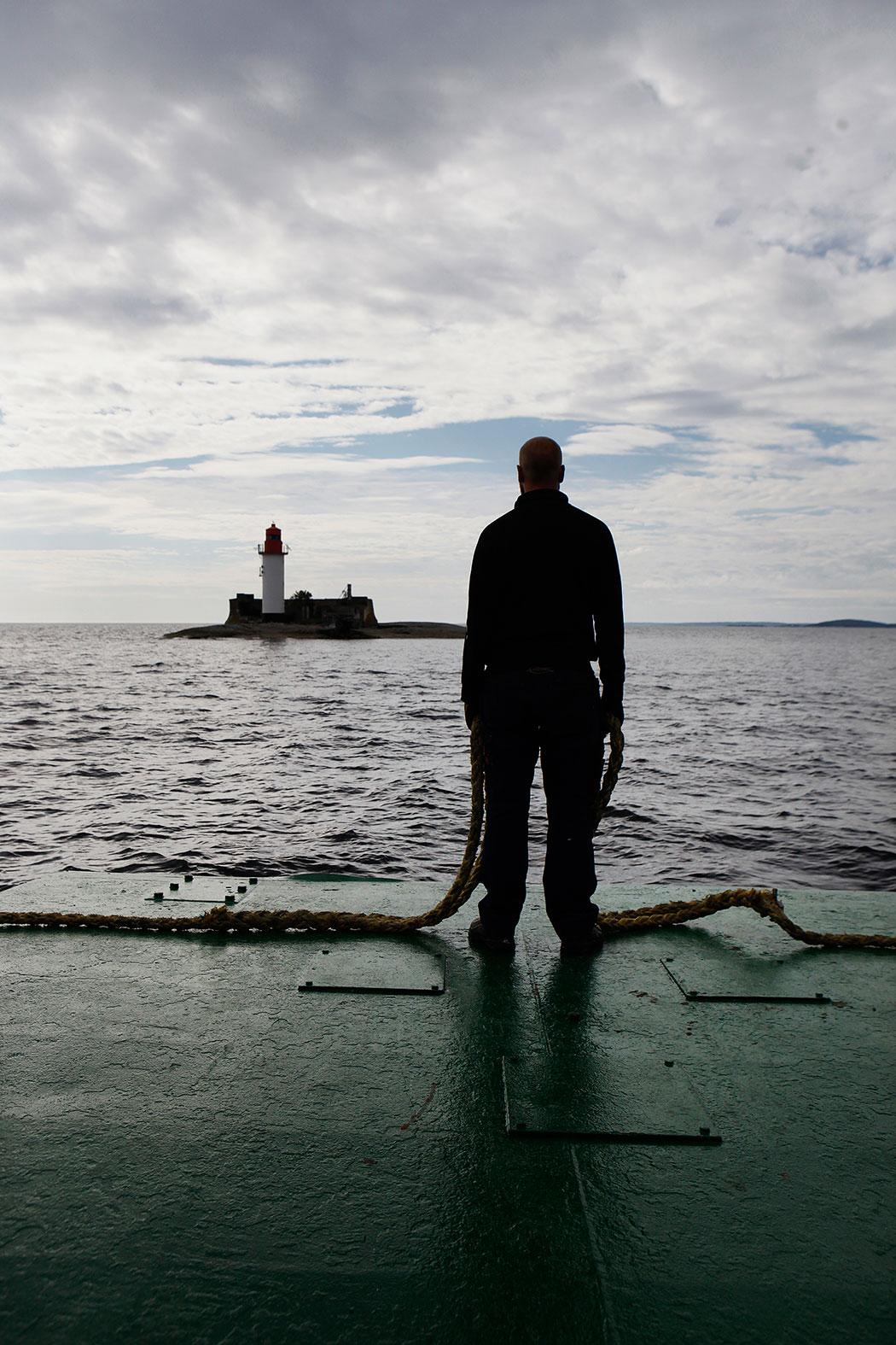 Mot fyren – denna gång är det    Draghällans fyr som Fyrbjörn stävar mot. Foto: Mats Andersson