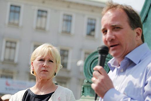 Socialdemokraternas partiledare Stefan Löfven flankerad av Margot Wallström valtalar i Göteborg inför EU-valet. Foto: Adam Ihse