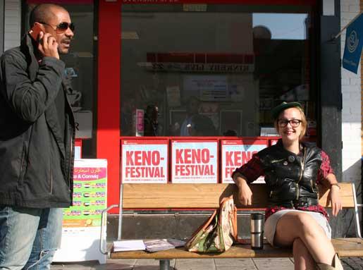 Kenneth Seremet och Beate Lindberg tycker att politikerna borde funnits på plats mer i valrörelsen.Foto: Esref Okumus
