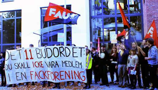 Svenska skolan i Berlin säger upp fackliga.