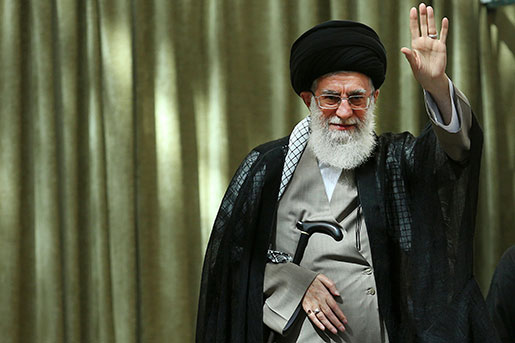 Irans högste religiöse ledare Ali Khamenei vill ytterliga begränsa kvinnors möjlighet att utöva sina mänskliga rättigheter i landet. Foto: TT