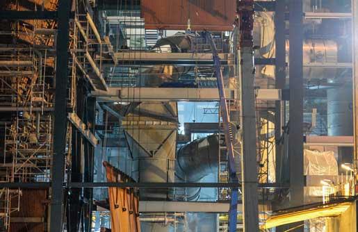 Olycksplatsen i Hjorthagen. En 40 ton tung vägg rasade över en skylift. där en person arbetade. Smällen fick hela skyliften att ramla ned över två personer på marken. Foto: Jessica Gow