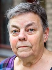 – Jag ledde pensionscirklar inom Kommunal, säger pensionerade undersköterskan Birgitta Ljungqvist. Men man förstår inte i förväg hur liten pensionen blir.  –Och jag räknade inte med att min man skulle dö. Vi hade inte efterlevandeskydd till hans avtalspension.Foto: Staffan Claesson