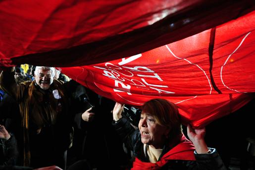 Syrizaanhängare jublar efter valsegern i Grekland igår. Foto: Fotis Plegas G