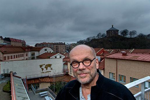 – Vi har en låt gå-politik inom bostadssektorn. Man har låtit marknaden ta över helt, säger bostadsforskaren Anders Törnquist. Foto: Adam Ihse