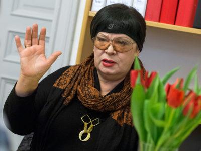 – Det auktoritära styret i Vitryssland drabbar kvinnorna extra hårt, säger Elena Jaskova. Kvinnor tjänar mindre än män och diskrimineras på alla plan. Men officiellt förnekas det. Foto: Claudio Bresciani