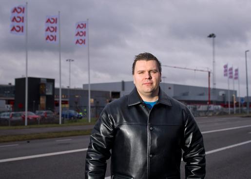 André Börvall, klubbordförande för Profficeklubben på Icalagret i Helsingborg, har fått sparken. Enligt arbetsgivaren har han betett sig aggressivt och arbetat dåligt – men André har både dokument och vittnen som säger motsatsen.Foto: Björn Lindgren