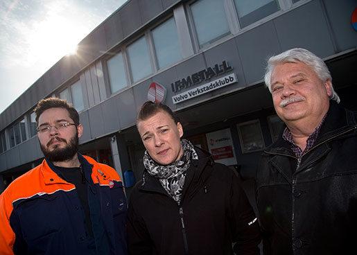 Jan Ripa, Linda Bergström och Glenn Bergström sitter i styrelsen för verkstadsklubben på Volvo personvagnar i Göteborg.De har alla läst igenom LO:s framtidsprogram inför intervjun med Arbetet. Foto: adam ihse