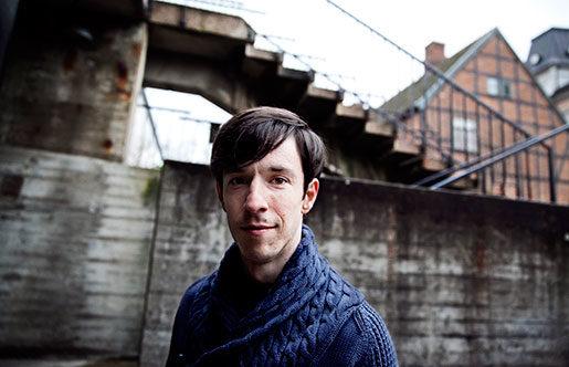 Roland Paulsen är sociolog, och har specialiserat sig på att kritisera lönearbetet. Foto: Jessica Segerberg