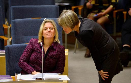 Magdalena Andersson och Ulla Andersson. Foto: Henrik Montgomery
