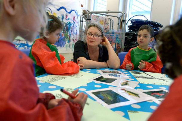 Birgitta Adolfsson imponeras ständigt av barnens kreativitet.Foto: Janerik Henriksson