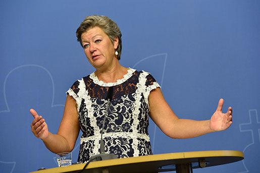 Arbetsmarknadsministern presenterade regeringens jobbsatsningar på en presskonferens i dag tisdag. Foto: Jonas Ekströmer