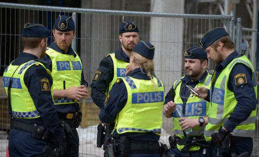Staten är grunden till att samhället fungerar och medarbetarna förvaltar vår demokrati och upprätthåller rättssäkerhet, skriver artikelförfattarna. Foto: Janerik Henriksson