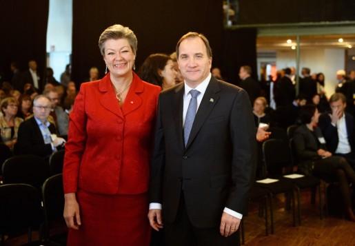 STOCKHOLM 20151012 Ylva Johansson, arbetsmarknadsminister (S), och statsminister Stefan Lˆfven (S) som bjudit in till en nationell samling, Sverige tillsammans, fˆr att bidra till att fˆrb‰ttra nyanl‰ndas etablering.