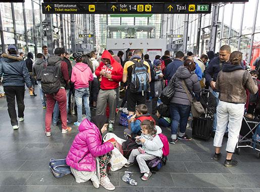 Flyktingar pMalmö centralstation. Foto: Ola Torkelsson / TT /