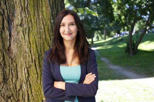 STOCKHOLM 20150816 Gymnasie- och kunskapsminister Aida Hadzialic (S), infˆr Stefan Lˆfvens sommartal i Vasaparken i Stockholm. Foto: Christine Olsson / TT / Kod 10430