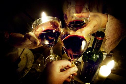 TT-forsk-marknadsfˆring STOCKHOLM 20060303 Vin, vinglas, vinflaska. Foto David Magnusson / SvD / SCANPIX SWEDEN Kod 30000 ***DN OUT (‰ven arkiv)***