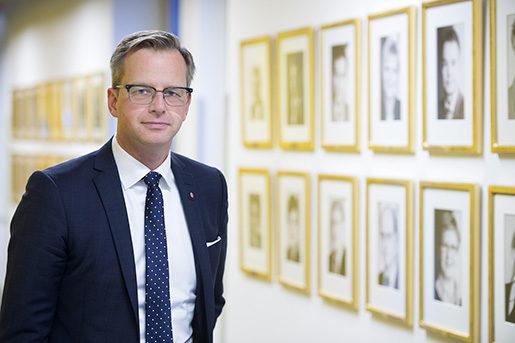 – Om vi är duktiga kan vi ta marknadsandelar och få en växande industri, säger Mikael Damberg om omställningen till automatiserad produktion. Foto: Maja Suslin
