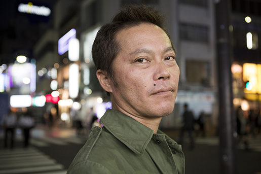 Tetsuya Hayashi, 43, jobbade med uppröjningsarbetet på kärnkraftverket Daiichi, Fukushima, Japan. Foto: Christina Sjögren Fukushima plant worker Tetsuya Hayashi says he was hired to survey radiation levels in the field in 2012, but was instead sent to do maintenance work on a radiation treatment machine on his first day at work. He was not aware that the radiation exposure was high enough to burn through his yearly exposure allowance in just 20 minutes. When he complained to his employer, the TEPCO subcontractor RH Kougyou, he was fired. He has filed a complaint to the Ministry of Labour, who has failed to respond in over a year. The workers at the Daiichi power plant have some of the world's most dangerous jobs for as little as 100 dollars a day.