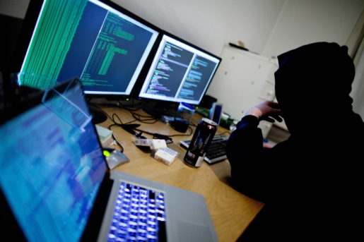Oslo  20120125. Illustrasjonsfoto. Hacking, hackere og datakriminalitet blir av mange oppfattet som et alvorlig samfunnsproblem. Foto: Thomas Winje ÿijord / Scanpix NORGE / SCANPIX / kod  20520