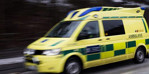 STOCKHOLM 20150223 Ambulans Foto: Vilhelm Stokstad / TT / Kod 11370
