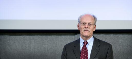 Riksbankschef Stefan Ingves bör tänka mer på hushållens sparande, tycker Hubert Fromlet. Foto: Marcus Ericsson