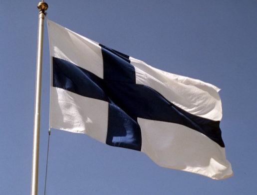 ©SCANPIX SWEDEN, 1991. Finsk flagga. Finland. Foto: Janerik Henriksson/SCANPIX Code: 50010
