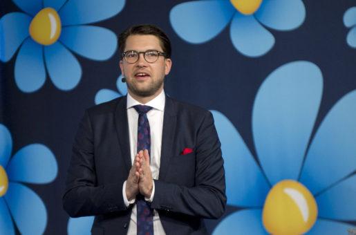 LUND 151128 Sverigedemokraterna hÂller sina Landsdagar i Lund. Partiledaren Jimmie ≈kesson omvaldes enh‰lligt som partiledare. Foto Bjˆrn Lindgren / TT / Kod 9204