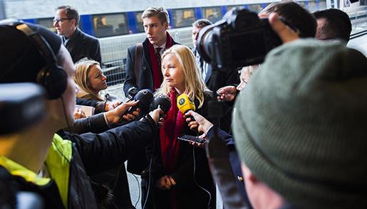 K÷PENHAMN 20160111 Infrastrukturminister Anna Johansson besˆker Kastrup flygplats i Kˆpenhamn med anledning av de nyligen infˆrda id-kontrollerna. Foto: Emil Langvad/TT kod 11530