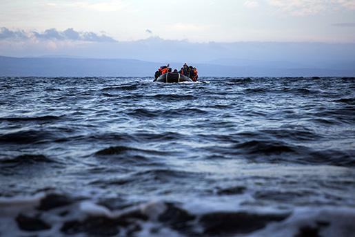 """Fler än 3 700 människor omkom eller """"försvann"""" i Medelhavet förra året, enligt IOM. Foto: AP/Santi Palacios"""