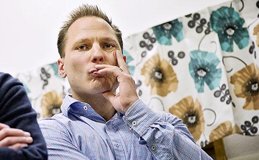 STOCKHOLM 2012-11-22 Busschauffˆrrer pRÂstagarraget samlas fˆr att protestera mot hur de blir behandlade av arbetsgivarna. Samt framfˆra missnˆje mot facket. Fˆr Arbetet, Mats Peijer skriver. Peter Hammarin och Johan Ingelskog. Foto Erik MÂrtensson / SCANPIX / Kod 10400