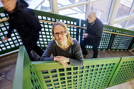 Annki Svedberg, skyddsombud på Vrinnevisjukhusets medicinklinik, tror att inhyrningsstoppet för sjuksköterskor kan få ännu fler att säga upp sig. Foto: Henrik Witt