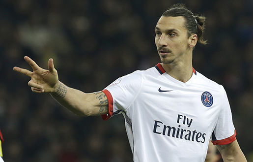 PSG's Zlatan Ibrahimovic gestures, during the French League One soccer match between Nice and Paris Saint Germain, Friday, Dec. 4, 2015, in Nice stadium, southeastern France. (AP Photo/Lionel Cironneau)