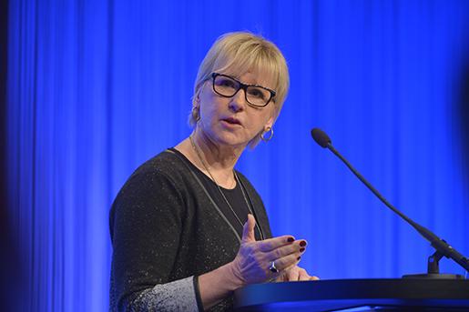SƒLEN 20160110 Utrikesminister Margot Wallstrˆm (S) i talarstolen prikskonferensen Folk och fˆrsvar i S‰len. Foto: Henrik Montgomery / TT / kod 10060